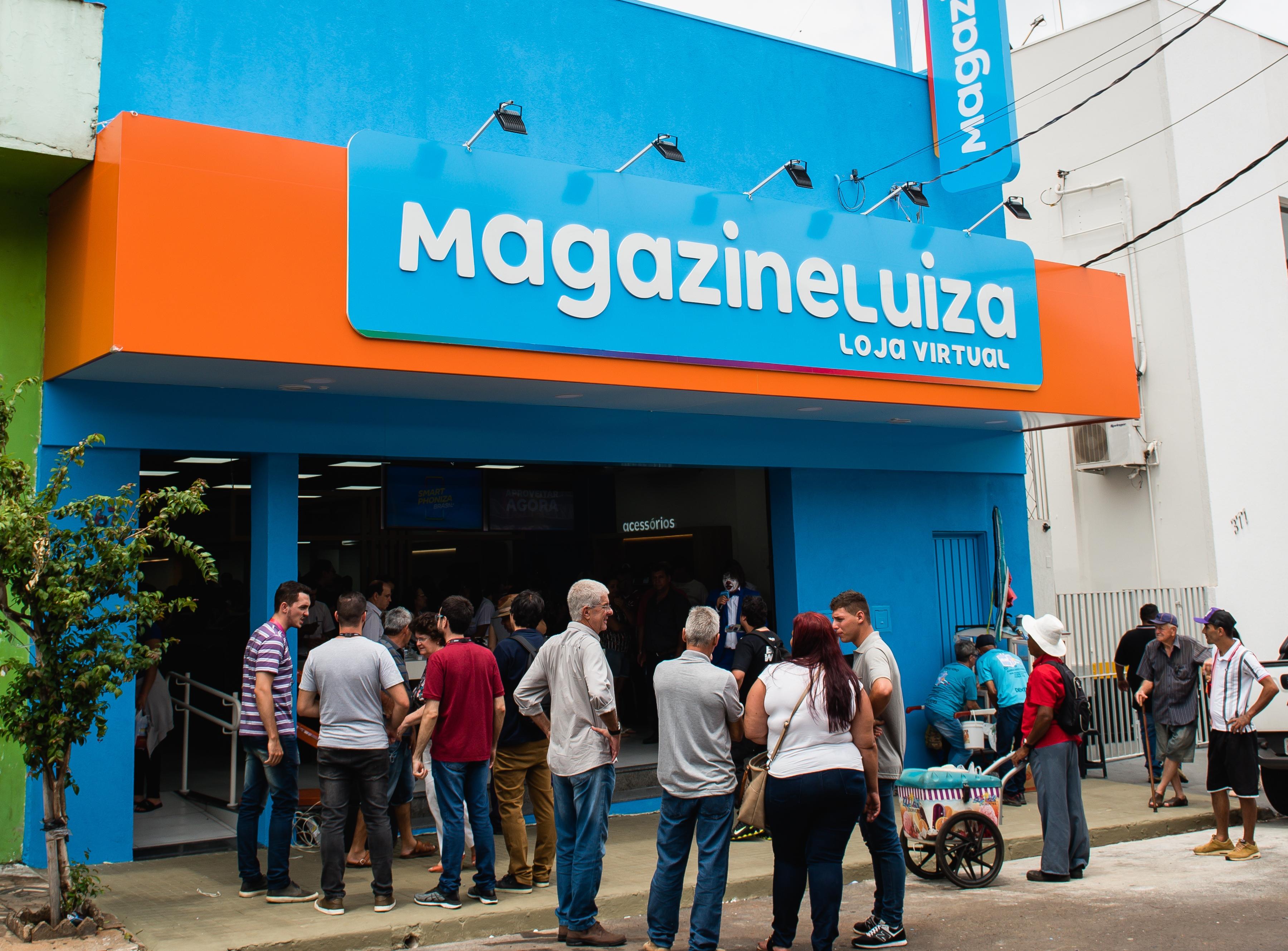 Magazine Luiza abre primeira loja física com novo conceito ...